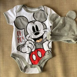 Disney baby clothes with beanie.